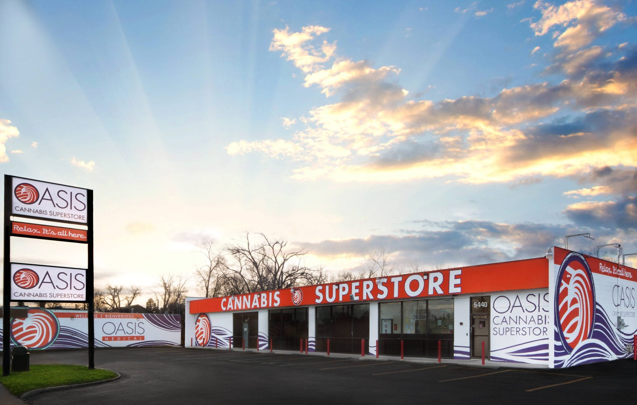 Denver Dispensary Open Late   Oasis Cannabis Superstores